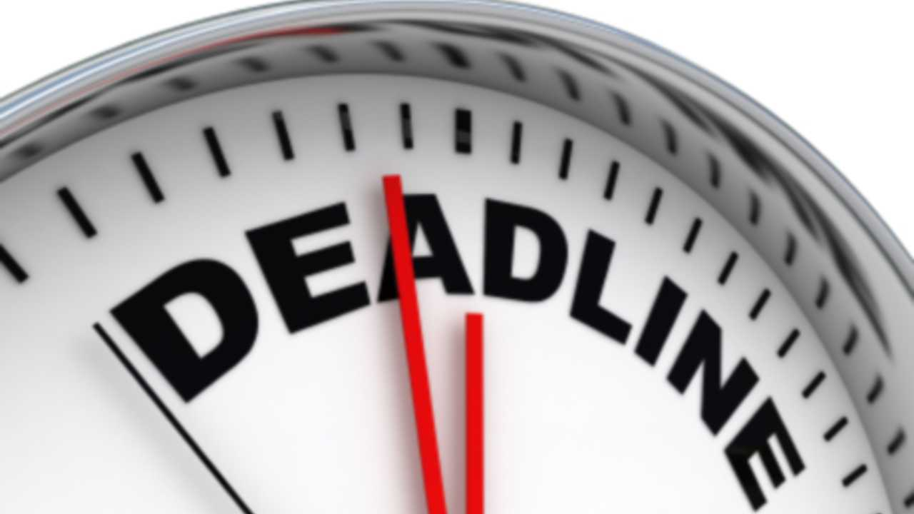 Why should you always set a realistic deadline for your employees?